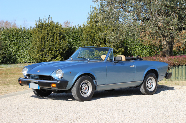 fiat-124-spider-nervesauto-olivotto-in-vendita-for-sale-0009
