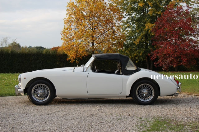 MGA-Roadster-MKII-1962-lhd-left-hand-drive-guida-a-sinistra-Old-english-white-avorio-nervesauto-olivotto-in-vendita-for-sale-0007