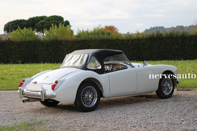 MGA-Roadster-MKII-1962-lhd-left-hand-drive-guida-a-sinistra-Old-english-white-avorio-nervesauto-olivotto-in-vendita-for-sale-0011